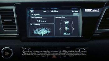 Kia Fall Savings Time TV Spot, 'Breakthroughs' - Thumbnail 4