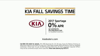 Kia Fall Savings Time TV Spot, 'Dog Walkers: 2017 Sportage' - Thumbnail 10