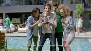 AT&T Unlimited Plus TV Spot, 'Fútbol' con Diego Boneta [Spanish]