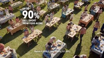 One A Day 50+ Healthy Advantage TV Spot, 'Outdoor Cooking' - Thumbnail 3