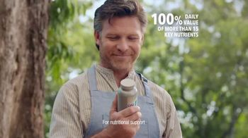 One A Day 50+ Healthy Advantage TV Spot, 'Outdoor Cooking' - Thumbnail 5