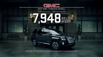 2017 GMC Terrain Denali TV Spot, 'Like a Pro: Anthem' - Thumbnail 8