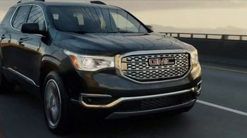 2017 GMC Terrain Denali TV Spot, 'Like a Pro: Anthem' - Thumbnail 4