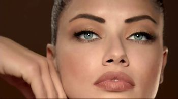 Maybelline New York Brow Precise Micro Pencil TV Spot, 'Fill and Blend'