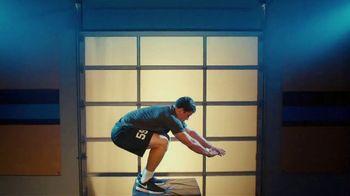 GEICO TV Spot, 'Workout' Featuring Luke Kuechly - Thumbnail 9