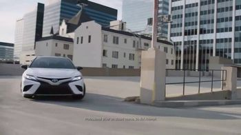 2018 Toyota Camry TV Spot, 'Indulge' Song by Roxette - Thumbnail 5