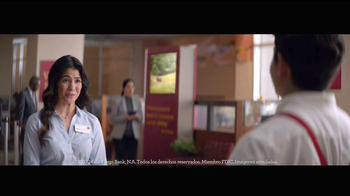 Wells Fargo App TV Spot, 'Mascot' [Spanish] - Thumbnail 2
