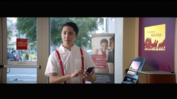 Wells Fargo App TV Spot, 'Mascot' [Spanish]