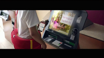 Wells Fargo App TV Spot, 'Mascot' [Spanish] - Thumbnail 4