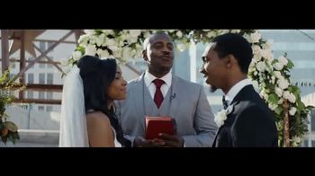 Verizon TV Spot, 'Live Wedding: Four Lines' Featuring Thomas Middleditch - Thumbnail 2