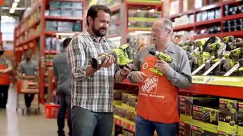 The Home Depot Father's Day Savings TV Spot, 'Juguetería' [Spanish] - Thumbnail 2