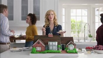 National Association of Realtors TV Spot, 'Housewarming Party Cake'