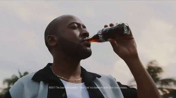 Coca-Cola TV Spot, 'Food Feuds: Burgers' - Thumbnail 8