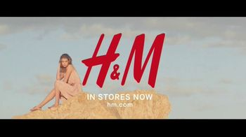 H&M TV Spot, 'The Summer Shop 2017' Song by Nancy Sinatra and Lee Hazlewood - Thumbnail 10