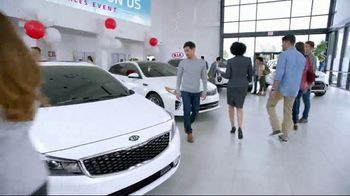 Kia Summer's On Us Sales Event TV Spot, 'No Payments for Five Months' - Thumbnail 3