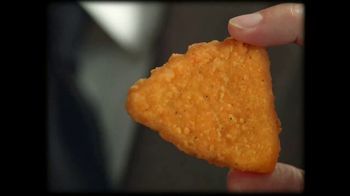 Taco Bell $5 Naked Chicken Chips Box TV Spot, 'Beware' - Thumbnail 2