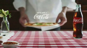 Coca-Cola TV Spot, 'Food Feuds: Pizza' - Thumbnail 10