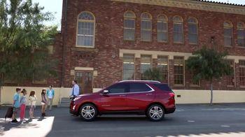 2018 Chevrolet Equinox LT TV Spot, 'Everybody, Everywhere' - Thumbnail 2