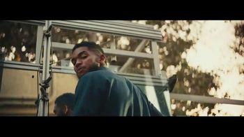 NBA 2K18 TV Spot, 'Handshake' Ft. Paul George, Isaiah Thomas, Kyrie Irving - Thumbnail 5