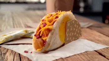 Taco Bell Naked Egg Taco TV Spot, 'Out of the Shell' - Thumbnail 7