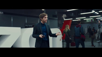Verizon Unlimited TV Spot, 'All Aboard the Network' Ft. Thomas Middleditch - Thumbnail 6