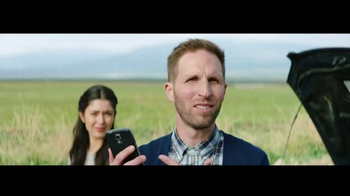 Verizon Unlimited TV Spot, 'Roadside Rescue' Featuring Thomas Middleditch - Thumbnail 3