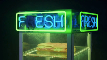 Wendy's Fresh Mozzarella Chicken Sandwich and Salad TV Spot, 'Taste Fresh' - Thumbnail 2
