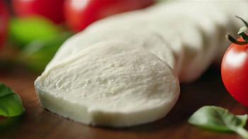 Wendy's Fresh Mozzarella Chicken Sandwich and Salad TV Spot, 'Taste Fresh' - Thumbnail 5