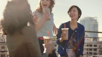 Dunkin\' Donuts Frozen Dunkin\' Coffee TV Spot, \'Rooftop Escape\'