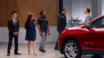 2018 Chevrolet Equinox LT TV Spot, \'Everybody, Everywhere\'
