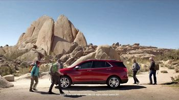 2018 Chevrolet Equinox LT TV Spot, 'Everybody, Everywhere' - Thumbnail 4