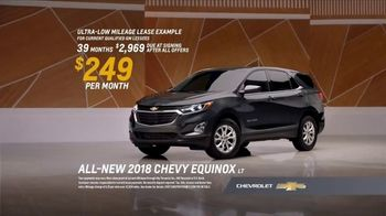 2018 Chevrolet Equinox LT TV Spot, 'Everybody, Everywhere' - Thumbnail 7