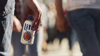Miller Lite TV Spot, 'Enjoy Another (Street Fair) SL' [Spanish]