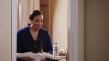 Aveeno Skin Relief TV Spot, 'A Moment for Me' Featuring Angela Davis