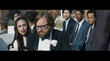 Verizon Unlimited TV Spot, 'Live Wedding' Featuring Thomas Middleditch - Thumbnail 3