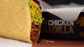 Taco Bell Crispy Chicken Quesadilla Box TV Spot, 'A More Perfect Union' - Thumbnail 6