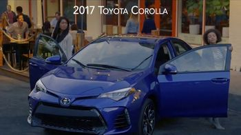 2017 Toyota Corolla TV Spot, 'Live With Inspiration' - Thumbnail 7