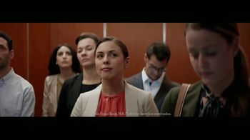 Wells Fargo TV Spot, \'Elevator\' [Spanish]