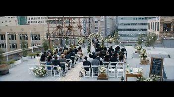 Verizon TV Spot, 'Live Wedding: Google Pixel' Featuring Thomas Middleditch - Thumbnail 1