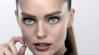 Maybelline New York Brow Drama Shaping Powder TV Spot, 'Bold Brows'