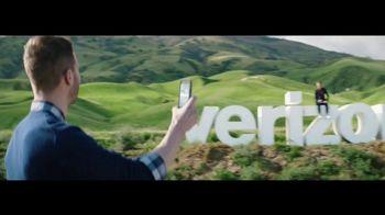 Verizon TV Spot, 'Roadside Rescue: Google Pixel' Feat. Thomas Middleditch - Thumbnail 2