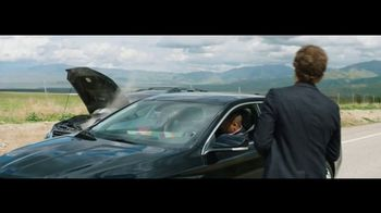 Verizon TV Spot, 'Roadside Rescue: Google Pixel' Feat. Thomas Middleditch - Thumbnail 8