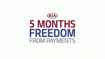Kia Summer's On Us Sales Event TV Spot, '4th of July Savings' - Thumbnail 2