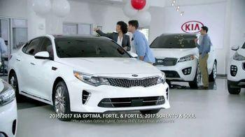 Kia Summer's On Us Sales Event TV Spot, '4th of July Savings' - Thumbnail 6
