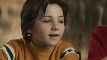 Hershey's Cookie Layer Crunch TV Spot, 'Kids Table' - Thumbnail 4