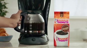 Dunkin' Donuts TV Spot, 'Parents Before Their Coffee' - Thumbnail 3
