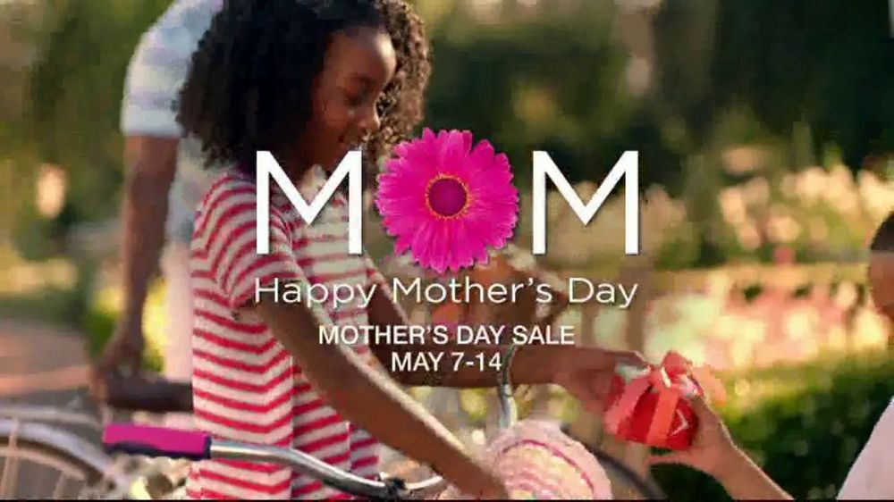 Belk Mother's Day Sale TV Commercial, 'Bonus Buys and Clinique Gift Sets'