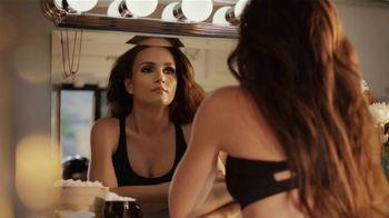 CoverGirl LashBlast Volume Mascara TV Spot, 'Mundo de hombres' [Spanish]